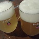 ビア&ヴルスト ベアレン - 左:ラードラー 右:ヴァイツェン