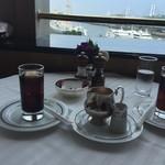 パノラミックレストラン ル・ノルマンディ - アイスコーヒー。眺めもご馳走です。