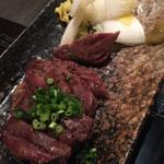十焼十鍋 - 厚切り牛タン焼き 850円