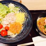 びんむぎ - 蒸し鶏のごまだれうどん+すき焼き丼セット