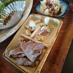 53664118 - 小鉢(イカ大根、野菜とさつま揚げの和え物、冷奴)