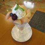 むらはた - 水蜜桃パフェ1