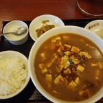 香港亭 - マーボ麺セット 824円