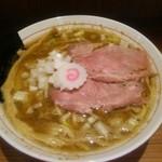 niboshichuukasobasuzuran - 煮干そば(\730)