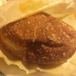 レコパン - 牛肉ごろごろカレーパン