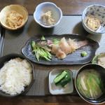 吾郎平 - 料理写真:いわな刺身膳