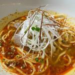 中国料理 「王朝」 - 牛肉入り激辛マーラー麺