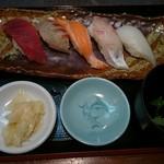 53707128 - 小皿にぎり寿司(780円)