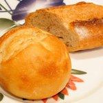 53707390 - スープコース 2916円 のパン