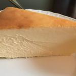 ベルエキップ - ベイクドチーズケーキ
