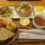 コピ ルアック - 【洋食プレート 780円】(スープ・サラダ・コールスロー・パンプキンサラダ・カレーグラタン・パン)