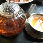 シンガポール シーフードリパブリック - アールグレープーアール茶