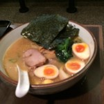 横濱家 - 味玉ラーメン
