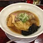 翔鶴 高崎店 - 綺麗なスープ                             「中華そば」【630円】