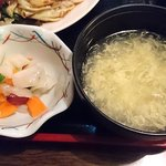日本橋焼餃子 - 日本橋焼餃子 西葛西店 ランチ定食に付くスープ・漬物