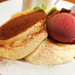 Banks cafe & dining - ティラミスパンケーキ
