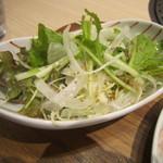 肉菜工房うしすけ - セットのサラダ