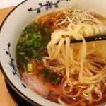 粉哲 - 1607_粉哲_煮干しらーめん(醤油)@750円_平打ち自家製麺