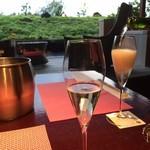 別墅然然 - ドリンク写真:まずはワインで乾杯★