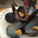 BAR ALIMENTARI DANIELA - 宮島産 ムール貝の白ワイン蒸し