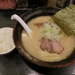 らーめん 喜丸 - らーめん650円+サービスご飯