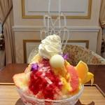 53740665 - かき氷 虹色~虹色シロップ&練乳&シャンティ&フルーツ&飴細工