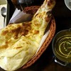 DIPIKA - 料理写真:サグチキンとナン