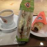 サンマルクカフェ - きんぴらたまご&チキンサンド、チョコクロ、ブレンドセット604円