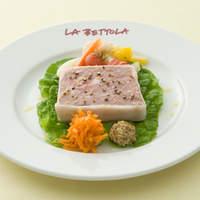 ラ・ベットラ・ダ・オチアイ - 自家製 (鴨、 クイーンポーク、地鶏)の テリーヌ