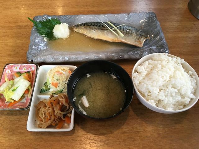 焼魚と家庭料理 つばき食堂 自由が丘 - サバの味噌煮定食@910円