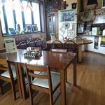 アジアンエスニック料理 マヤ - テーブル席