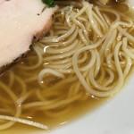 アンダーグラウンド ラーメン 頑者 - 煮干と鶏の冷やしスープ