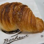 ブーランジェリー ボヌール - 料理写真:クロワッサン