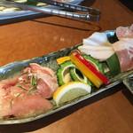 北谷ダイニング - 島豚ロース、久米島鶏、スーチカー、アグーソーセージ、野菜