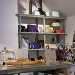 カフェユイットヤマテ - 雑貨やバッグの販売もしています
