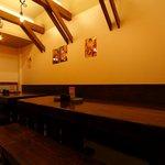 門下 てっ太 - 奥のお部屋は、ご宴会24名様まで座れるテーブル席です。