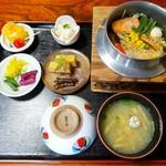 手毬 - 料理写真:手毬釜めし 外税1200円