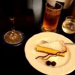53773762 - ニューヨークチーズケーキ&アイスコーヒー