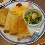 珈琲館 - トースト&スクランブル160円(税込)