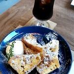 カヤノ コーヒー - 料理写真:フレンチトースト*ビターブレンド