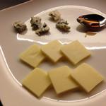 53779815 - チーズ盛合せ1,000円