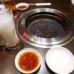 焼肉三松 - カルピスチューハイ、烏龍茶