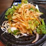 焼肉三松 - ネギサラダ