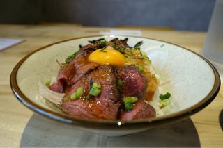 桜肉寿司と飛騨牛もつ鍋 TATE-GAMI 栄本店