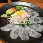 魚輝水産 - ヒラメ薄造り580円   2016.7月