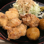 鶏三和 - 鶏唐揚御膳の唐揚げ