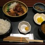 53793577 - 角煮定食