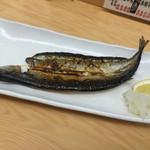 初かすみ酒房 - 秋刀魚の一夜干し