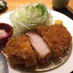 53795375 - 上ロースカツ定食 ¥1980