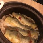 料理 吉祥寺 わるつ - 鮎の土鍋炊き込みご飯。